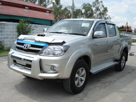 new Toyota Hilux Vigo Double Cab at Thailand's top Toyota Hilux Vigo dealer Sam Motors Thailand